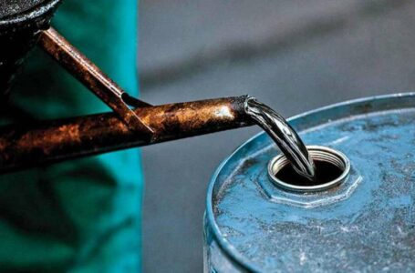 Oil plunges heavily, with OPEC+ in disarray