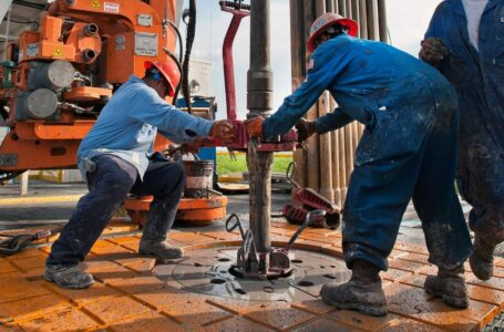 Oil prices drop 350 basis points in response to rising COVID-19 infections in China