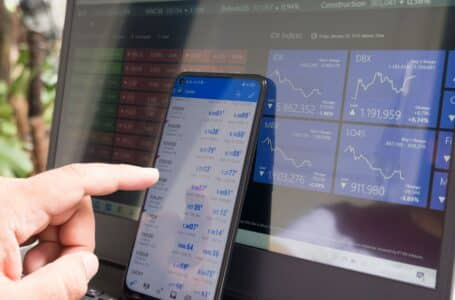 Top trades to start your day: Vodacom, Capitec, and more