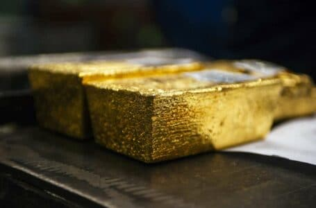 Growing Tapering Signs Put Gold Bugs Under Pressure